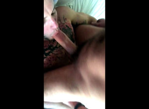 Inked homosexual gets  in his throat