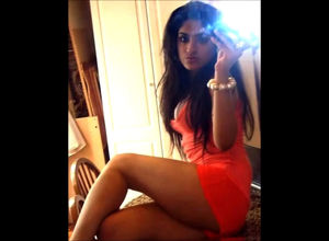 Glamour selfies of  Indian chicks..