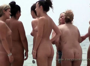 Gang of ginormous  chicks on naked..