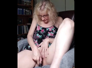 Playful mature nutting when tugging