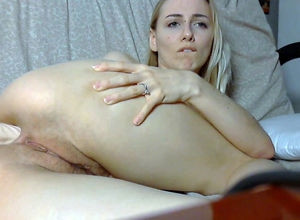 Meaty bum platinum-blonde dildoing..