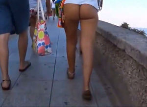 hidden camera shoots a marvelous donk..