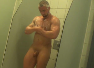 Hidden cam vid with naked teddy in the..